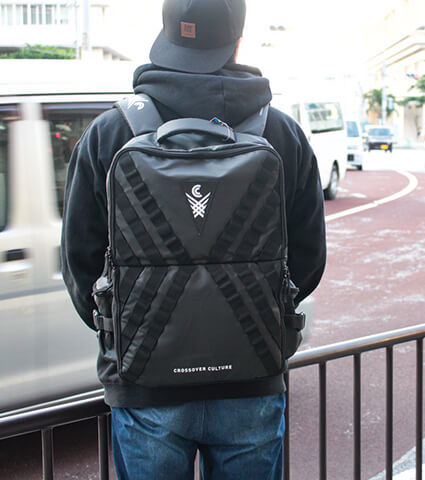 CROSSOVER CULTURE Agent Sneaker Backpack 黒