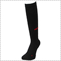 AND1 High-Supporting Knee Hi Socks 黒/赤