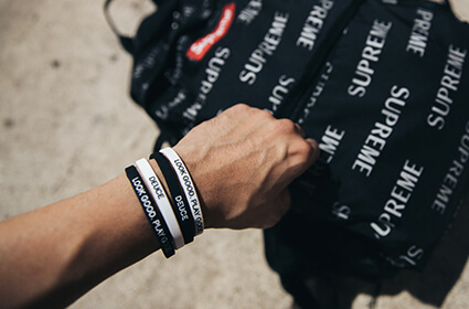 Deuce Skinnies Wristbands 2個セット 黒+白